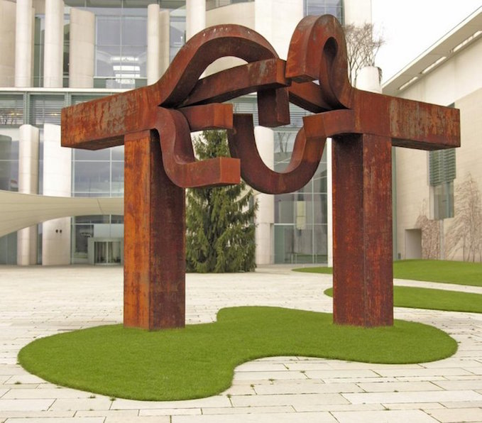 Eduardo-Chillida-Berlin-Sculpture